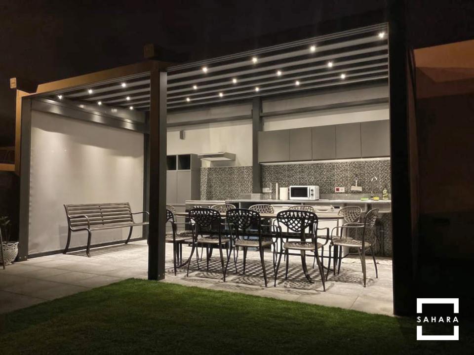pergola-dakhla-sahara-casa-jardin-terraza-patio-noche-luces-led-cocina-barbacoa